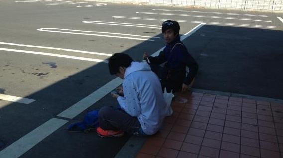 つくばマラソンの応援に出かけた山地さん(左)。多くのランナーの走りに、刺激を受けたという。