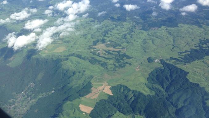 飛行機から見える外輪山